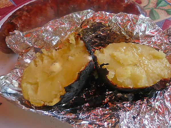 Pomme de terre braisée au barbecue
